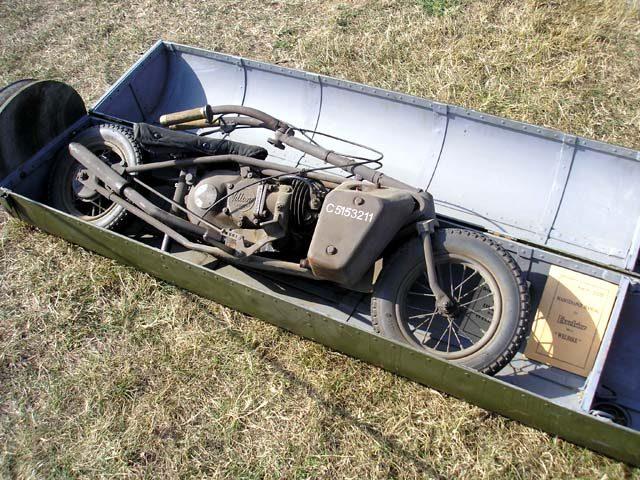 画像: 投下用のケースに収納された状態のウェルバイク。 blog-imgs-45-origin.fc2.com