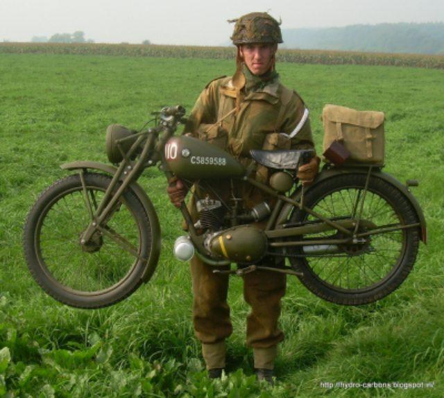 画像: ウェルバイクの32kgよりは重いですが、59kgのフライング・フリーは軽量と呼ぶには十分なスペックでした。 greasengasoline.files.wordpress.com