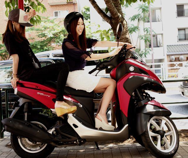 画像: 女性ライダー、そして二人乗りに向いているバイク