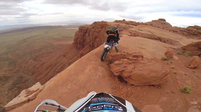 画像2: 眺めはいいけど、こんな崖っぷちは走るのはちょっと勘弁ですね