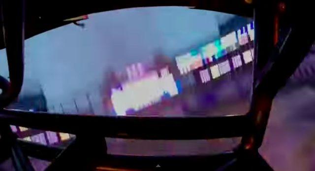 画像7: マッドマックスの世界?!!5トン近い巨大なモンスタートラックがダブルバックフリップの迫力がすごい!!