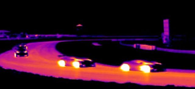 画像2: クルマの温度がよくわかる!サーマルカメラで撮影された映像が面白い!