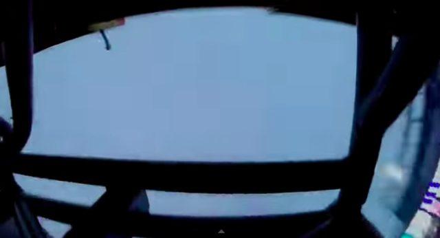 画像8: マッドマックスの世界?!!5トン近い巨大なモンスタートラックがダブルバックフリップの迫力がすごい!!