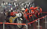 画像: 【鈴鹿8耐】レースだけじゃない! 「レーシングシアター」には歴代優勝マシン展示