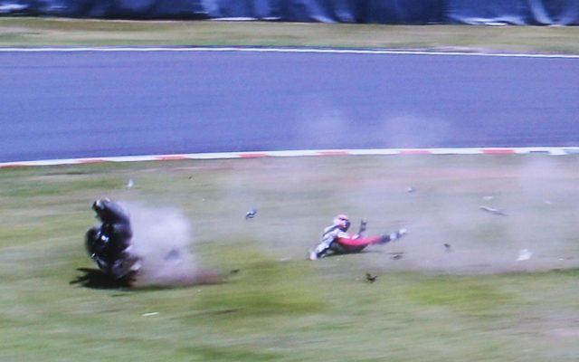 画像: 【鈴鹿8耐】転倒したストーナー、怪我の状況をツイッターで報告「チームに申し訳ない」