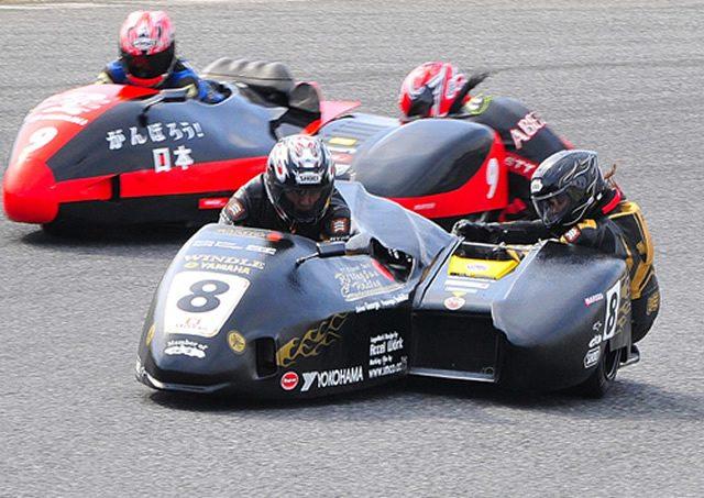 画像: 2人で1台!!レーシングサイドカーレースがすごい。 - LAWRENCE(ロレンス) - Motorcycle x Cars + α = Your Life.