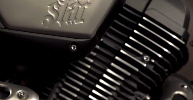 画像: BOLTのエンジンカバーにはSTARの刻印 www.youtube.com