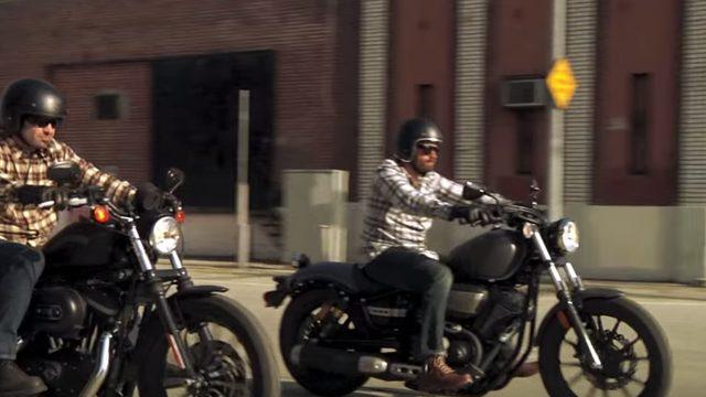 画像: シグナルグランプリで加速競争する二台(安心してください、安全考慮済みですよ) www.youtube.com