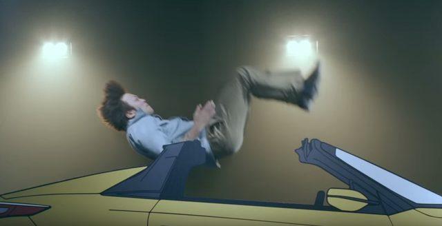 画像4: 続いて、後方宙返り半分ひねり乗り!