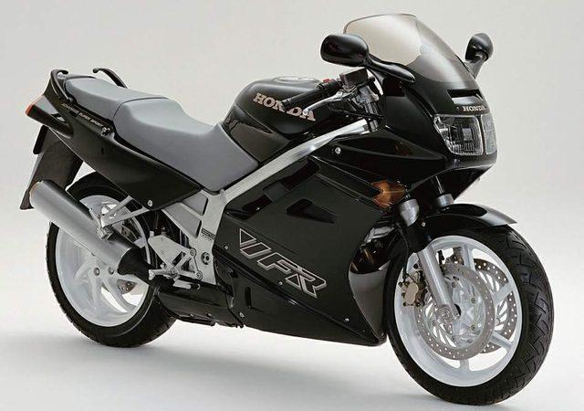 画像: HONDA VFR750F RC36 www.motorcyclespecs.co.za