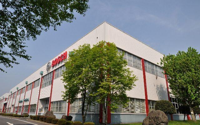 画像: NC旋盤の改良でクリーンな生産ラインを実現...ボッシュ栃木工場