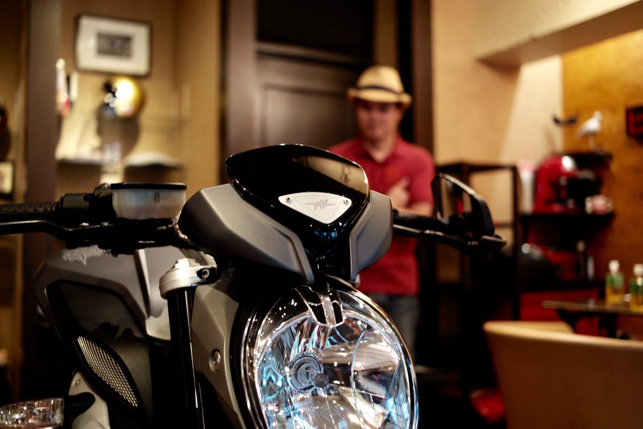 画像: 【取材】SHINICHIRO ARAKAWA 荒川眞一郎氏 - モーターサイクルとファッションのミックスカルチャーを引っ張る男。 - LAWRENCE(ロレンス) - Motorcycle x Cars + α = Your Life.