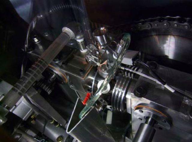 画像: 自動車・家庭発電用プロトタイプエンジン(排気量 50 cc程度) www.waseda.jp