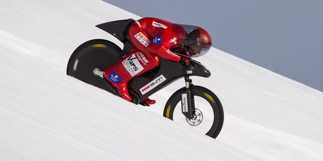 画像: マウンテンバイクで滑走!!時速223㎞。54歳で世界記録。