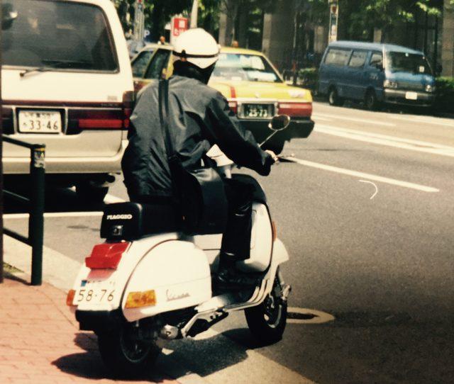 画像: 毎日乗る足として選んだのはハンドシフトのオールドスクーター