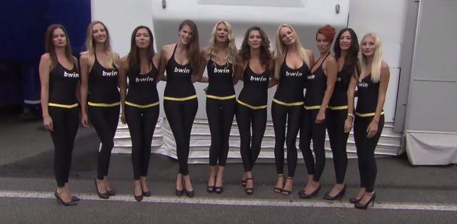 画像: ずらりとならぶと性感、いえ、精悍な美女たち。 www.youtube.com