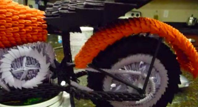 画像2: 【アートバイク】このバイク何からつくられているでしょう??