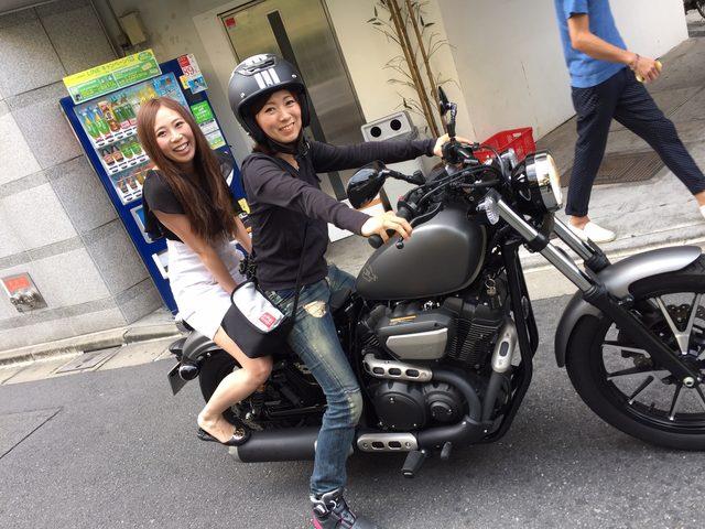 画像: 「キャ〜すごいです〜♡」‥アンタ、中免とったら自分も乗るのよ!