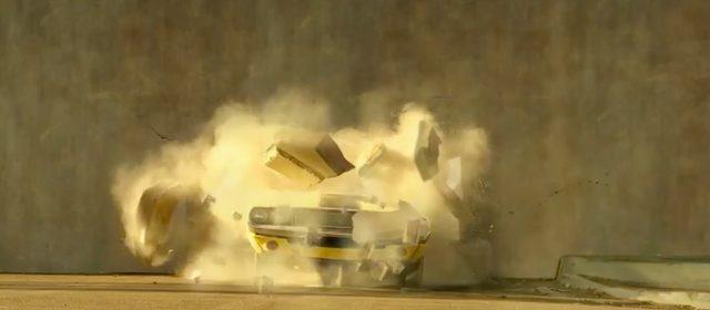 画像: いきなり壁を突き破ってきた〜!!!あっこのフロントは‥