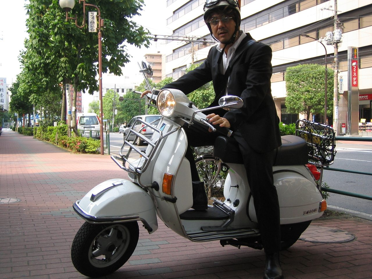 画像: これは通勤時。たまーにスーツを着ることがこのころはあった。