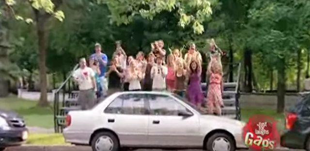 画像7: そんな中、ギャラリーが駐車シーンを見張っていたらみなさんどうしますか?w