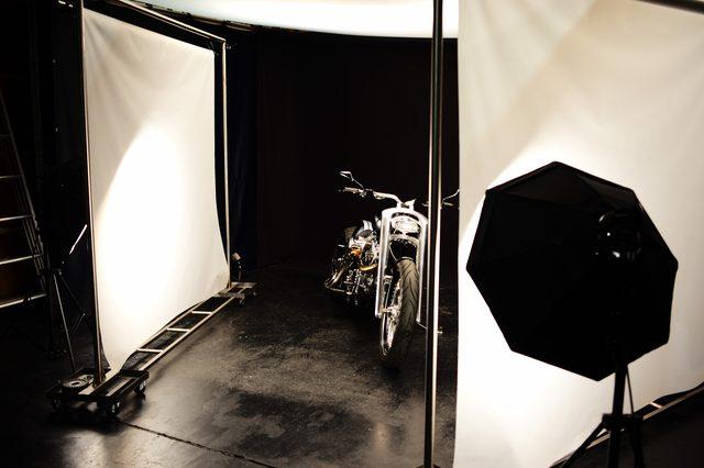 画像: 専用の撮影スタジオを設ける徹底ぶり