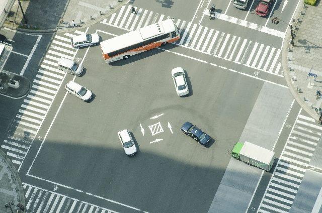 画像: 二輪自動車の交通ルール