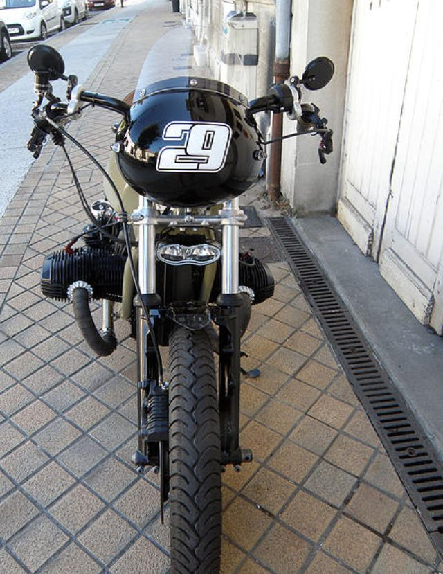 画像: BMW R80RT nexxtoy.wix.com