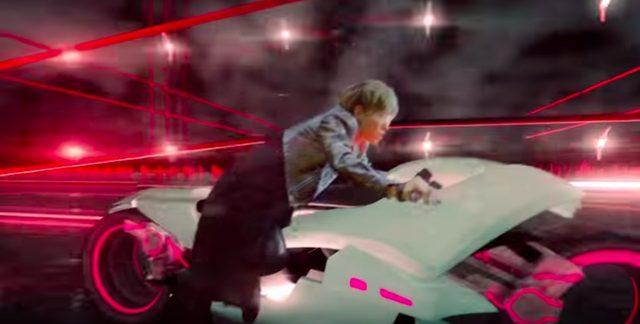画像4: ロックバンドグループSPYAIRの「ROCKIN'OUT」のミュージックビデオに近未来バイクが登場!