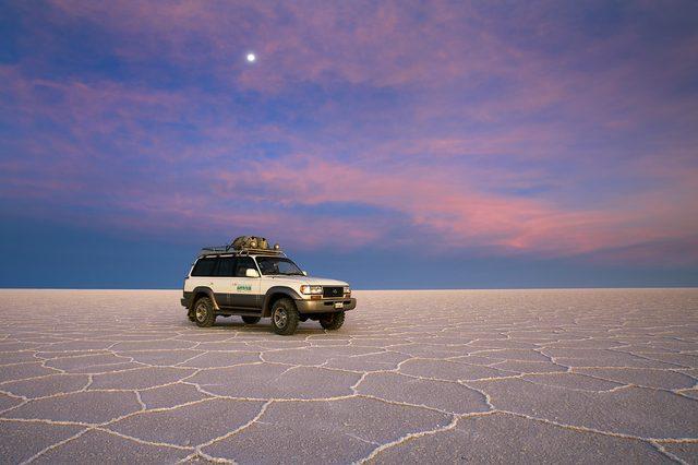 画像: 乾季のウユニ塩湖 www.fotod.org