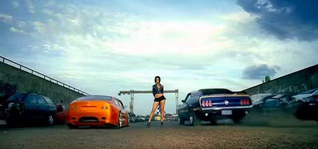 画像7: リアーナの「Shut Up And Drive」PVでフェラーリや金キラ車が登場!だけど、プライベートでプレゼントするのはベンツが定番なのかな?