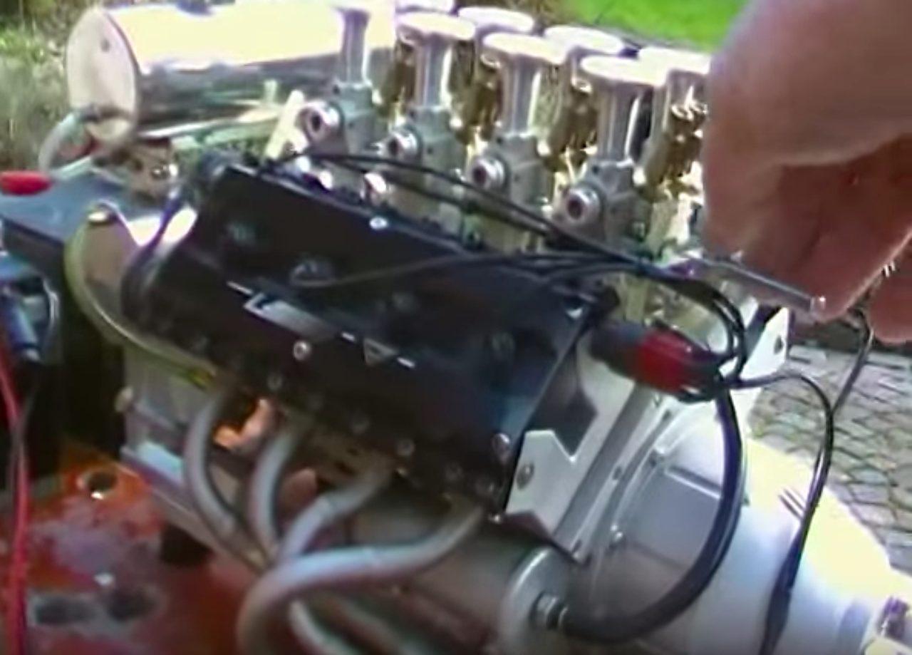 画像: ミニミニ V型8気筒エンジン