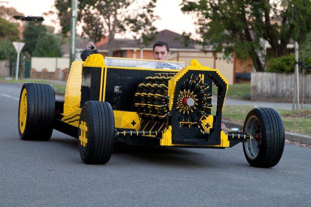 画像: 人が…乗ってる!!!! www.extremetech.com