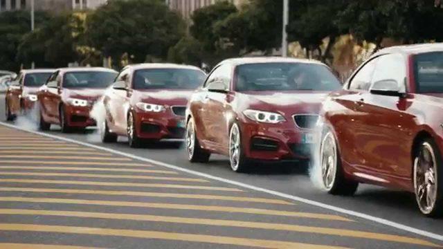 画像: 「BMW M235i」のドリフト映像がすごすぎる!かっこいいを通り越して美しい超絶コンビネーション - LAWRENCE(ロレンス) - Motorcycle x Cars + α = Your Life.