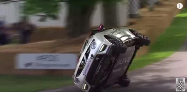 画像2: バランス良すぎ!!!NISSSAN JUKE NISMO RSが片輪走行にチャレンジ!