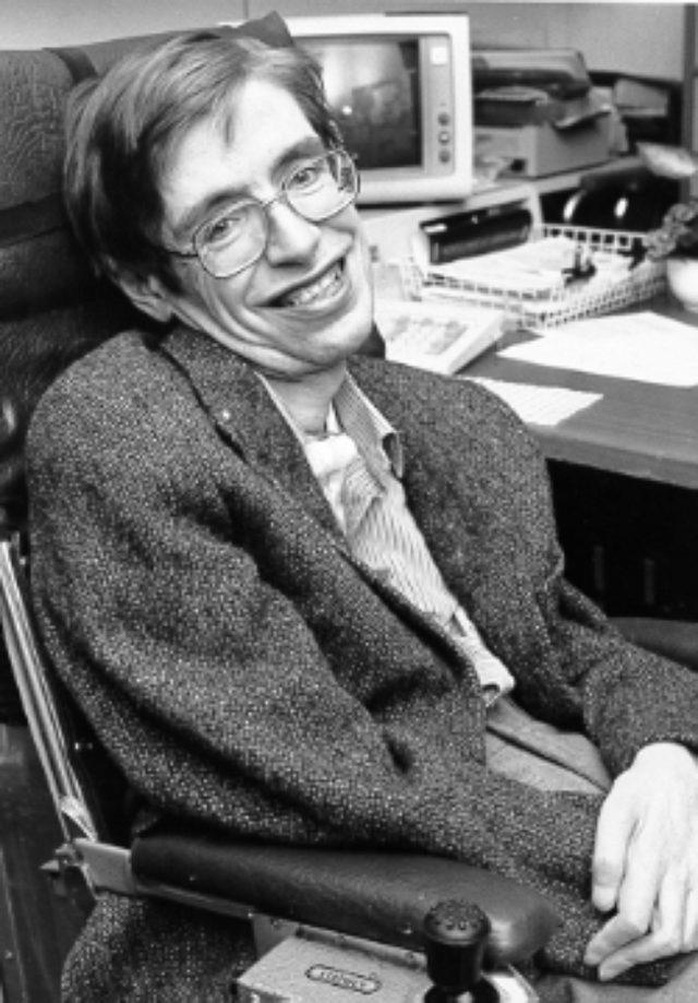 画像: スティーブン・ホーキング博士。人類の宝といっていい人物の一人。 ja.wikipedia.org