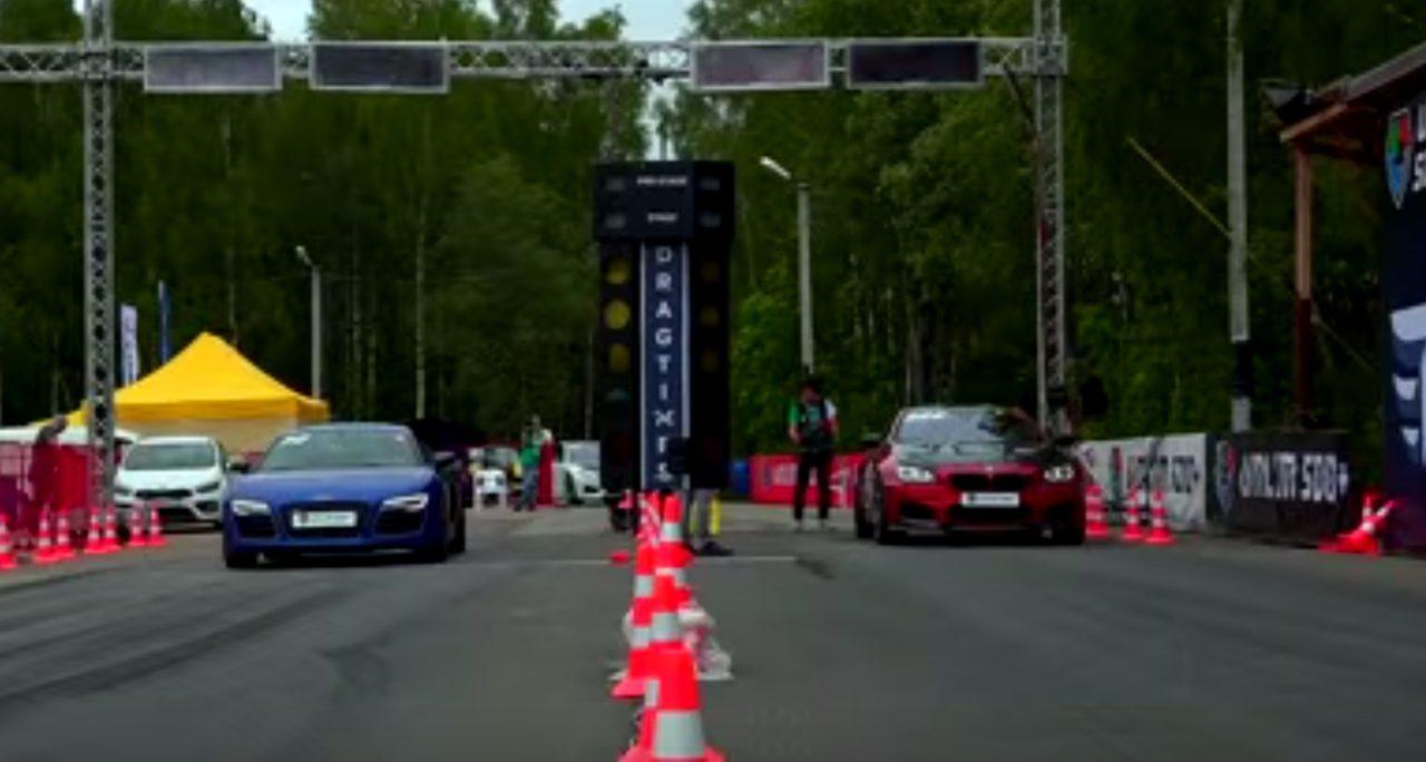画像: 負けた腹いせに、Audi R8に喧嘩を売り・・・ www.youtube.com