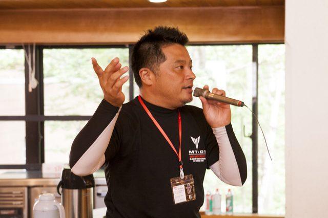 画像: 主催者代表の杉浦 拓也さんの司会でイベントが進行してゆく。