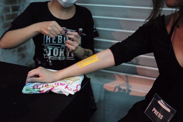 画像: タトゥー型のLIVEペイントコーナー