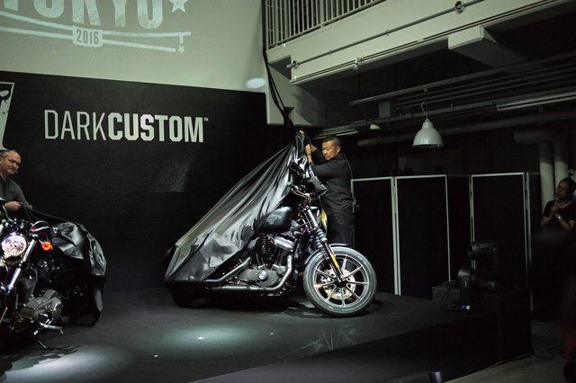 画像: 新たなハーレーダビッドソンの挑戦【ダークカスタム】DARK CUSTOM REBORN IN TOKYO 2016 - 新車発表編 - LAWRENCE(ロレンス) - Motorcycle x Cars + α = Your Life.