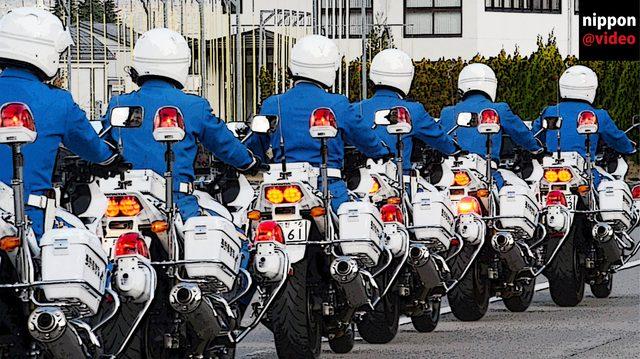 画像: バイクでシンクロ!?白バイ隊員のライディングテクニックが美しすぎる!! - LAWRENCE(ロレンス) - Motorcycle x Cars + α = Your Life.