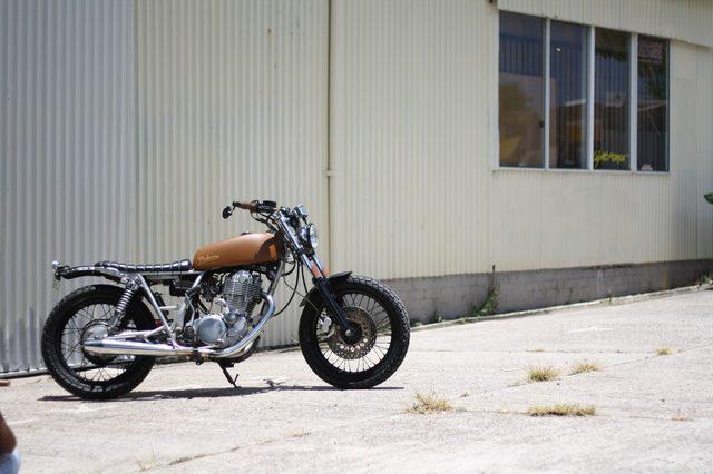 画像: YAMAHA SR400 makarne.com