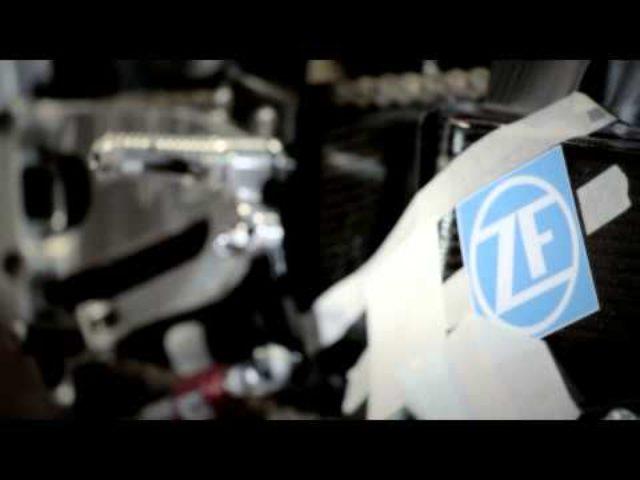 画像: ああ。あああ。超絶かっこいい。MotoGP ドゥカティのレース仕様車が徐々に出来上がっていく - LAWRENCE(ロレンス) - Motorcycle x Cars + α = Your Life.