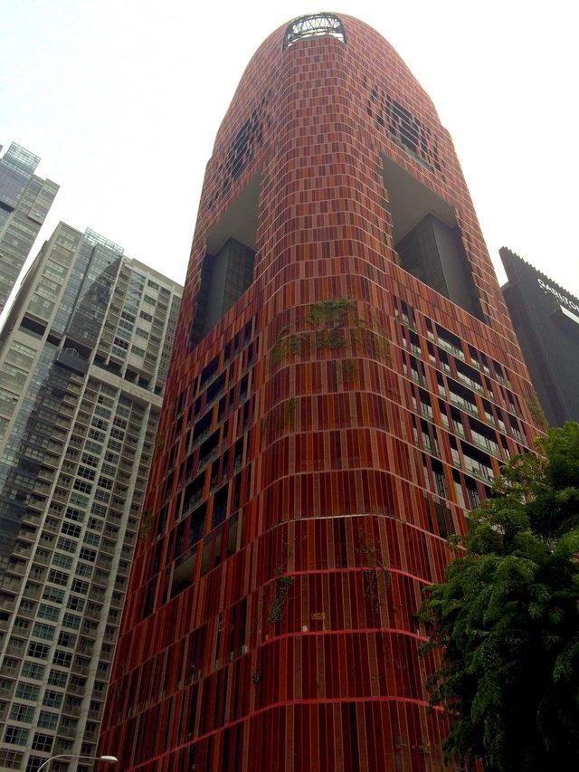 画像: シンガポール チャイナタウン近くに立ち並ぶビル