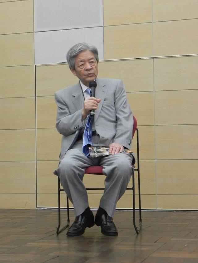 画像1: キャスターの長谷川豊氏が司会進行を務め、本作で描かれる「新しい戦争の形」について熱く語り合った。