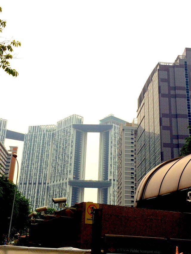 画像3: 建物が高い!!!