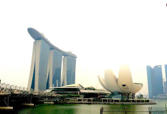 画像1: 建物が高い!!!