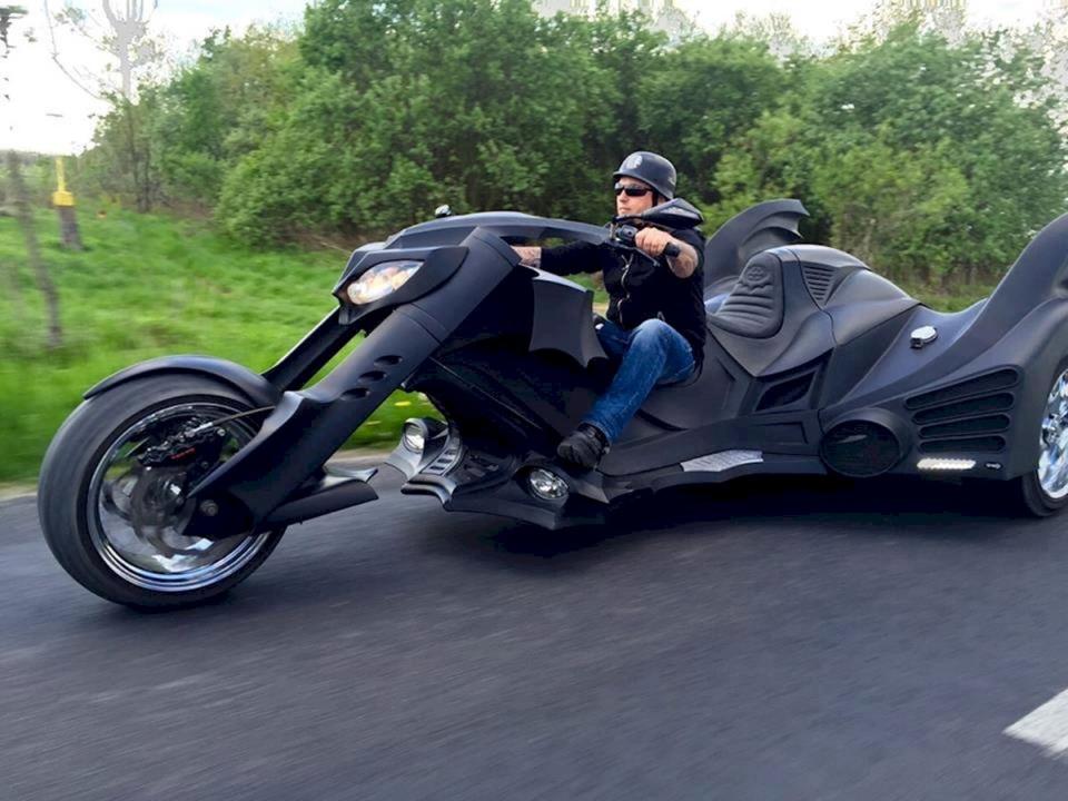 画像1: carsandbikes24.com