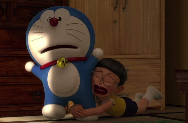 画像: ドラえもんにしがみついて、ここにいてくれとせがむのび太 doraemon-3d.com