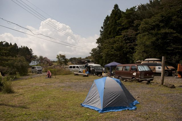 画像: よく整備されていて快適なキャンプサイト。